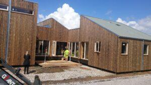 Uretek lægger Det Biologiske Hus fundament med et punkt fundament, der er meget mindre CO2-krævende end beton.