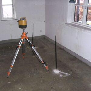 Injicering med Uretek Metoden igennem gulvet