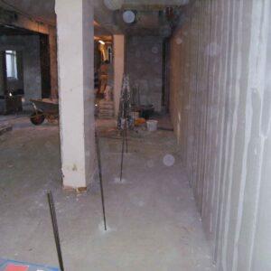 Injiceringspunkter i gulvet inden opstart på stabiliseringen
