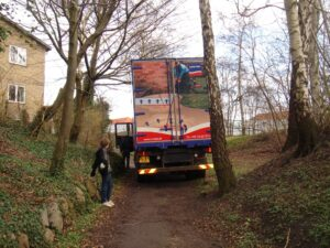 Lastbil fra Uretek kørt i stilling