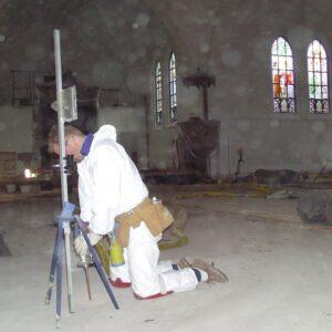 Stabilisering af kirkegulvet med Uretek Metoden