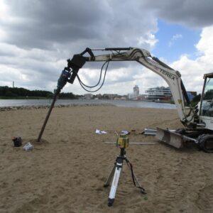 Installering af ScrewFast Skruepæl i sandet ved Haderslev